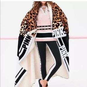 Victoria's Secret PINK Cheetah Sherpa Blanket NEW